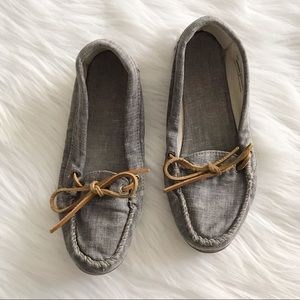 MINNETONKA Canvas Gray Moccasins SZ 6.5